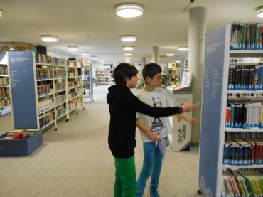 Bibliotheksführung durch die Stadtbücherei