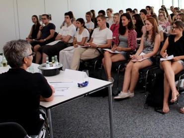 Dritte Schüler-Pressekonferenz: Die Griechenlandkrise veranschaulicht