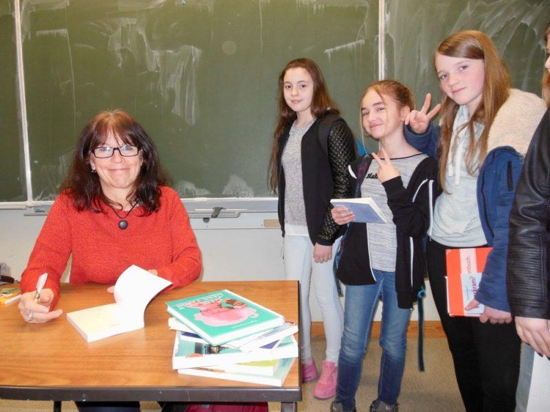 """""""Weiberkram"""" und """" Ein Meer voller Sterne"""": Autorenlesung mit Sigrid Zeevaert"""